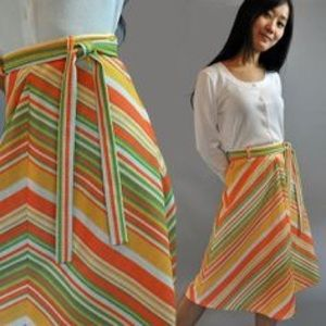 Vintage Dresses & Skirts - Beautiful Vintage A Line Skirt with Matching Belt!