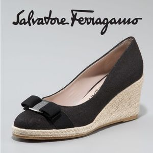 Ferragamo Shoes - EUC Salvatore Ferragamo Darly Canvas Espadrille 9B