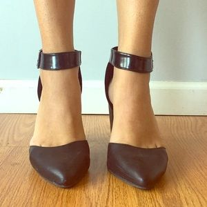Shoes - Pointed toe, ankle strap block heels