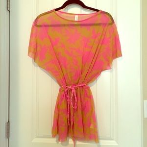 Sweet Pea by Stacy Frati top