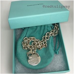 🌹SOLD🌹Auth. Tiffany & Co. Oval Tag Pendant