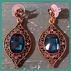 InEveryCorner Jewelry - 30% OFF BUNDLES🌺Teardrop Raj Crystal Earrings🌺