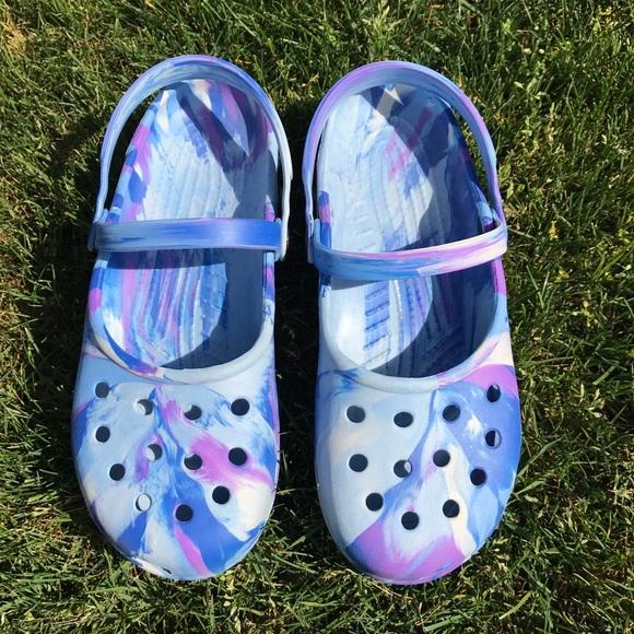 9fd953a9cf606a CROCS Shoes - Fun summer colors tie dye Crocs SZ 8 women s NWOT