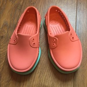 Native Other - Native Toddler Girls Shoes Size C6 Great Condition