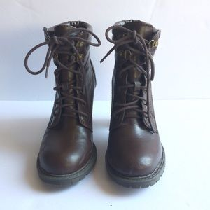 BONGO Shoes - Heeled Lace Up Boots