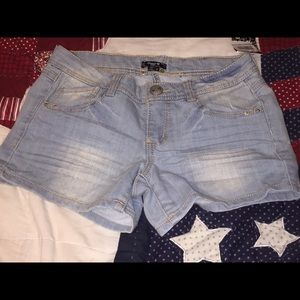 SEQUIN HEARTS HEAVY STITCH DENIM SHORTS SZ 5