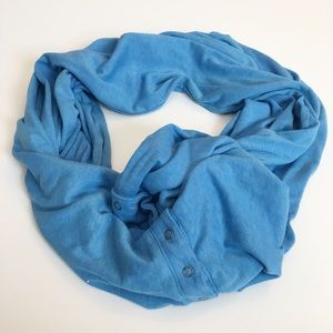 Dylan by True Grit blue infinity scarf