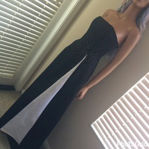 Jessica McClintock Dresses & Skirts - Black & White Rhinestone Formal Long Gown Dress