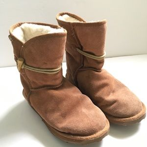 Emu Shoes - Emu Chestnut toggle fur-lined boots