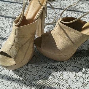 Wild Diva Shoes - Wild Diva platform sandal
