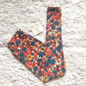 LuLaRoe Pants - LuLaRoe OS leggings - NWT!! 🦄