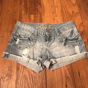 WallFlower Jean Shorts ~ Factory Distressed ~ Sz.5