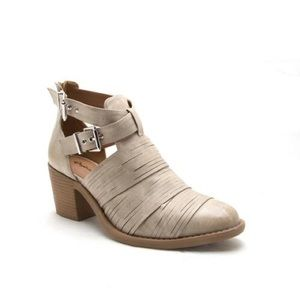SHOEROOM21 boutique Shoes - Ladies high top ankle straps chunky heels booties