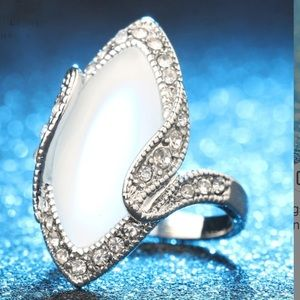 Jewelry - New silver plated white stone long ring size 8