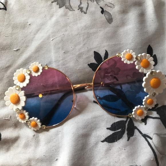 Dollskill Accessories - Flowerchild Sunnies