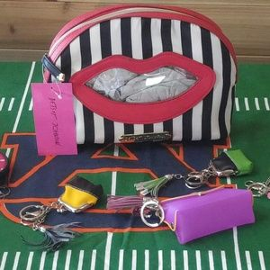 Betsey Johnson Other - Betsey Johnson's Kiss Meets The Spot