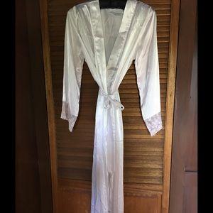 Valerie Stevens Other - 🌺 Price Drop 🌺 Robe