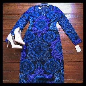 Maggy London Dresses & Skirts - Blue and purple tapestry scroll shift dress