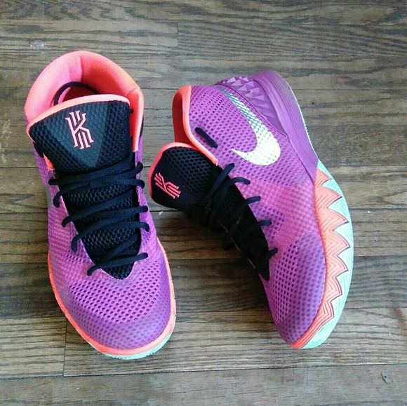 6a3fcf6e771c ... inexpensive nike kyrie irving 1 easter d06f2 73329