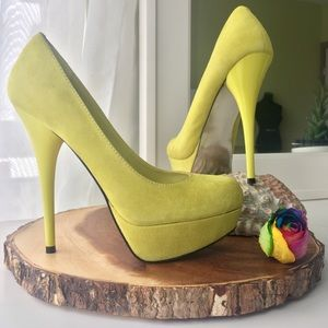  STEVE MADDEN highlighter yellow suede pumps 7
