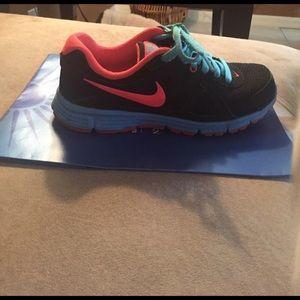 Nike Revolution 2 Sneakers!