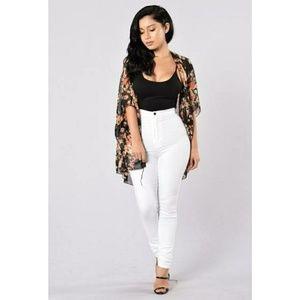 Fashion Nova Tops - BOGO 🎀 Fashion Nova flower bud Kimono