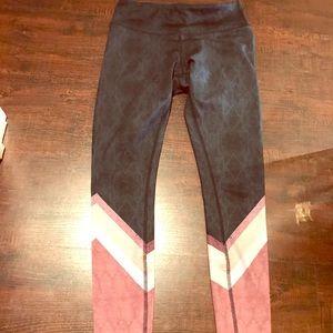 ALO Yoga Pants - ALO AIRBRUSH legging (blue/pink/white)