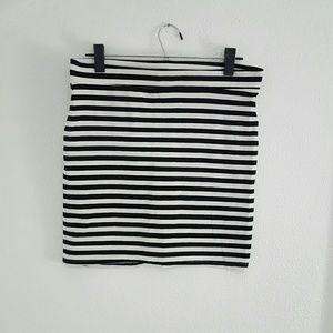 H&M Dresses & Skirts - Black and White Stripe Mini Skirt