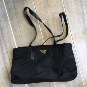 Prada Handbags - 🎉2 HOUR SALE🎉 PRADA SMALL BLACK PURSE