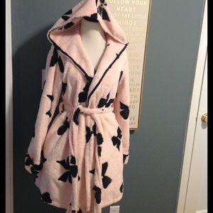 Fussy Plush Betsey Johnson Hooded Bow Printed Robe