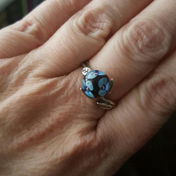 Trollbeads Blue Flower Ring. M 58d05e3213302ab41901f243 d1877c181b95