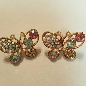 Betsey Johnson Jewelry - Gorgeous Crystal iridescent gold tone butterfly