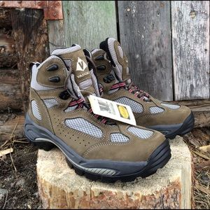 Vasque Other - Men's Vasque Hiking Boots