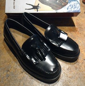New Bass Weejuns Black with Tassels