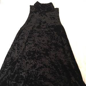 Tobi Dresses & Skirts - NWOT black crushed velvet dress