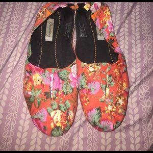 Olsenboye Shoes - Most comfortable, floral flats ever!!