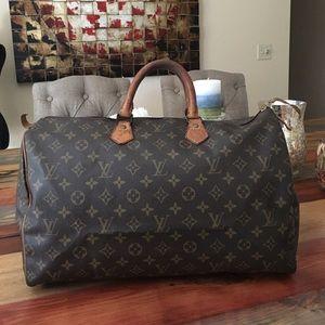 Louis Vuitton Handbags - 🔥SALE🔥AUTHENTIC LOUIS VUITTON SPEEDY 40