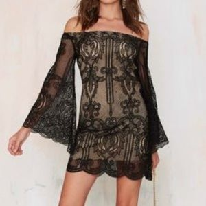 "ISO Olivaceous Lace Dress ""Wanderer"""