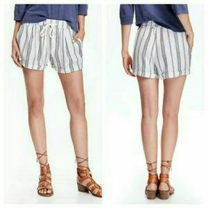 Pants - Striped linen shorts