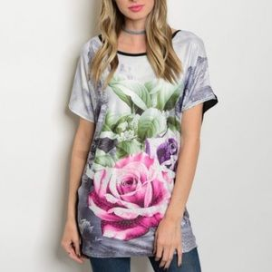Tops - 🆕 Rose Graphic Tee