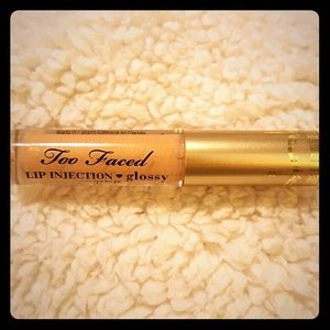 Too Faced Other - Too Faced Lip Injection ?? Glossy