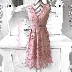 Romeo & Juliet Couture Dresses & Skirts - New🎀 Dusty Rose Lace Dress
