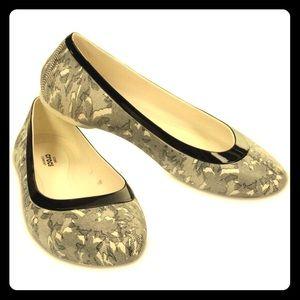 CROCS Shoes - ⭐NEW Crocs Lina shiny flat