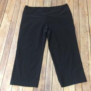 Nike Pants - Nike dry fit black cropped leggings