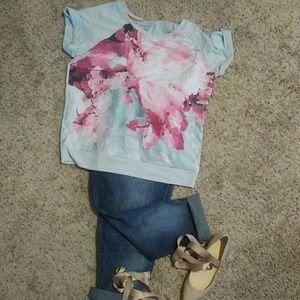 Lane Bryant Tops - Printed short sleeve sweatshirt sz 1X/2X