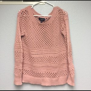 American Eagle Outfitters Sweaters - Trendy American Eagle pink sweater size Small