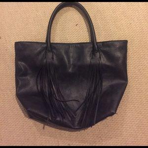 Black H&m fringe bucket bag