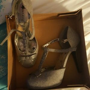 bamboo Shoes - Gray heels 8.5
