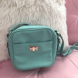 🌟Mint Crossbody!🌟