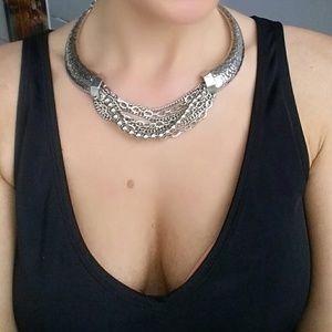 17basics Jewelry - ⭐💋LAST 1💋BOHO Collar necklace with chain detail